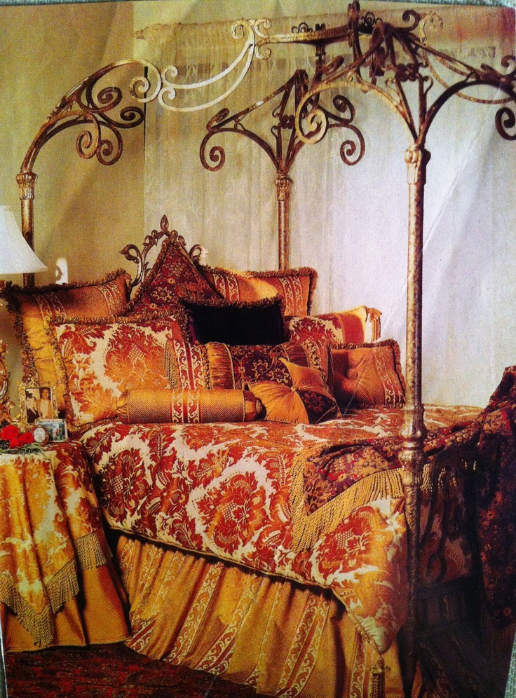 Gold painted wrought iron canopy bed claasic bedroom photos 018