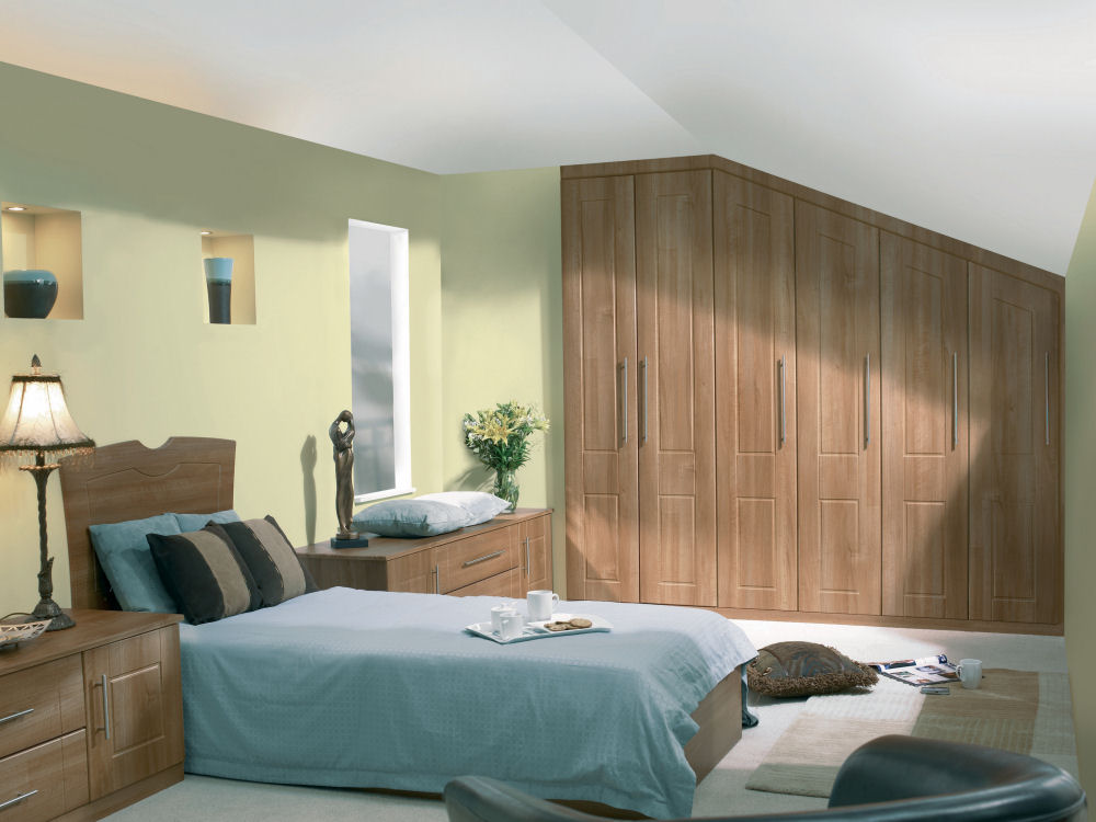 Fitted bedroom furniture for small bedroom ideas home for Fitted bedroom furniture