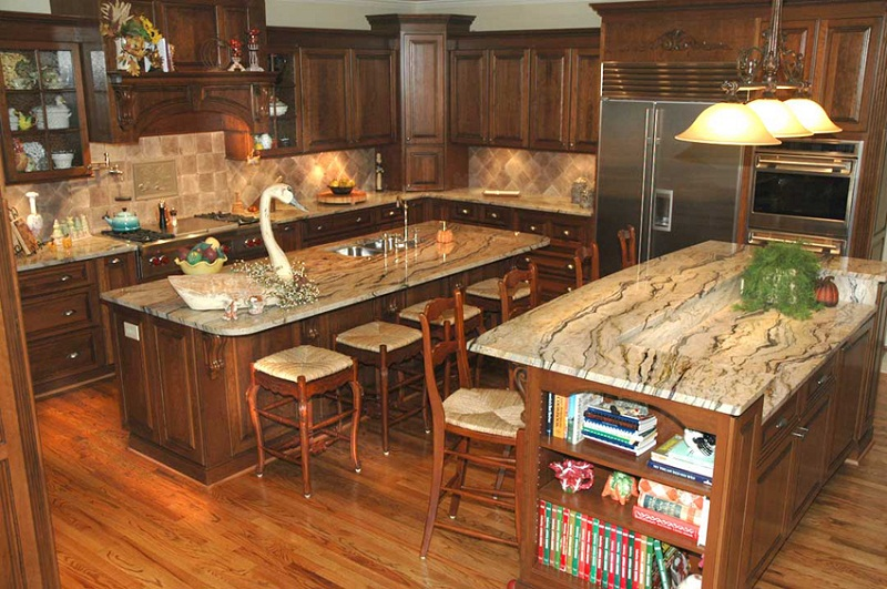 Kitchen With Persa Caravelas Granite Countertops Pictures15