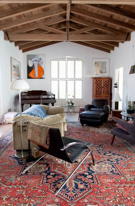Oriental Rugs In The Living Room With Awesome Colors