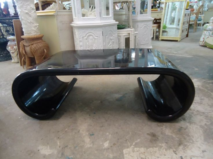 Scroll Coffee Table Black Color Pictures9