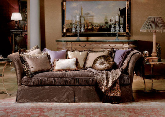Traditional Shabby Chic Sofa with Dark Color