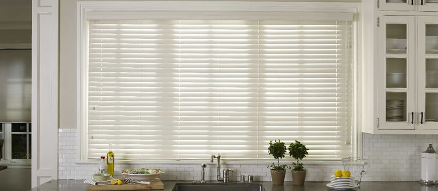 White Faux Wood Window Blinds For Simple And Elegant Kitchen Homes