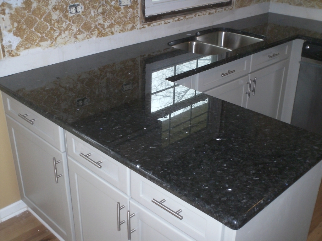 Inspiring Blue Pearl Granite Countertop Ideas With Emerald