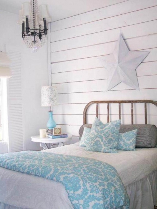 Beautiful Beach Themed Bedroom Decor With Twin Style Beach Chic Decorating White Bed Photo