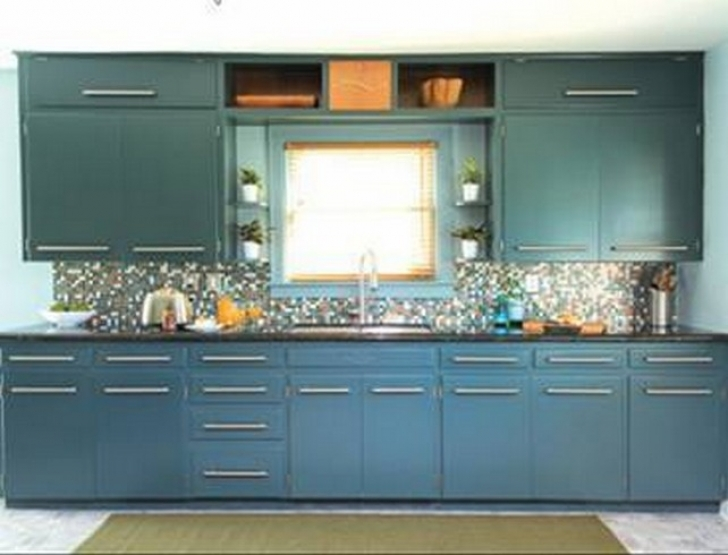 Chalk Paint Kitchen Cabinets Inside Classic Kitchen With Chalk Paint Kitchen Cabinets Wrenaz Picture