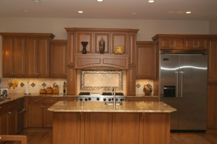 Golden Crystal Granite Countertops With Wooden Kitchen Cabinet And Island 8788