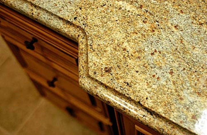 Golden Crystal Granite Countertops Yellow Pic 4569