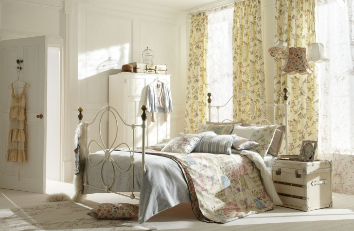 Gorgeous Shabby Chic Bedroom Ideas Inside Shabby Chic Bed Photos