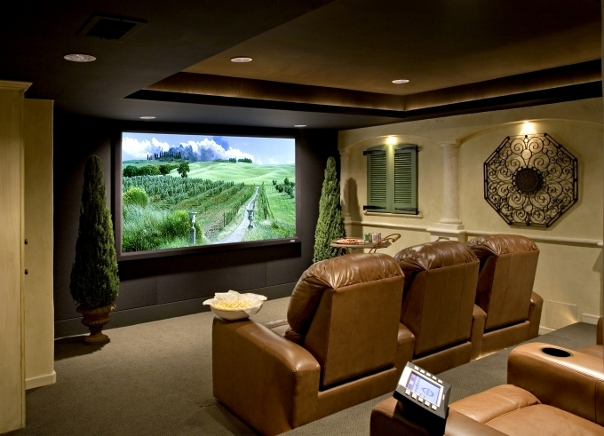 Small media room ideas on a budget home theater design for Small entertainment room decorating ideas