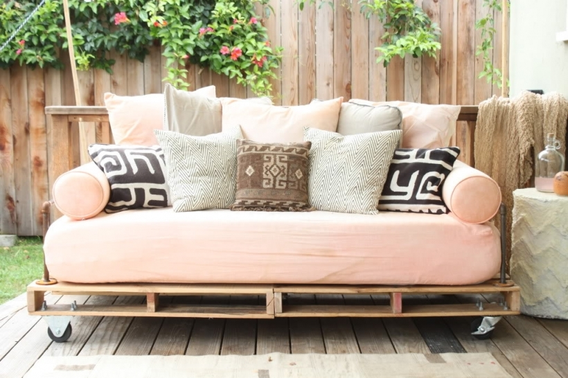 Wonderful Daybed Mattress Cover In How To Build A Pallet Daybed Pretty Prudent Photo
