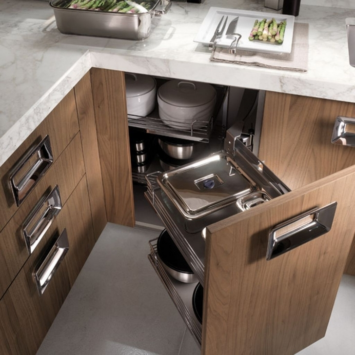 Italian Kitchen Design In Awesome Traditional Italian Kitchen Decoration With Extra Cabinet Pictures