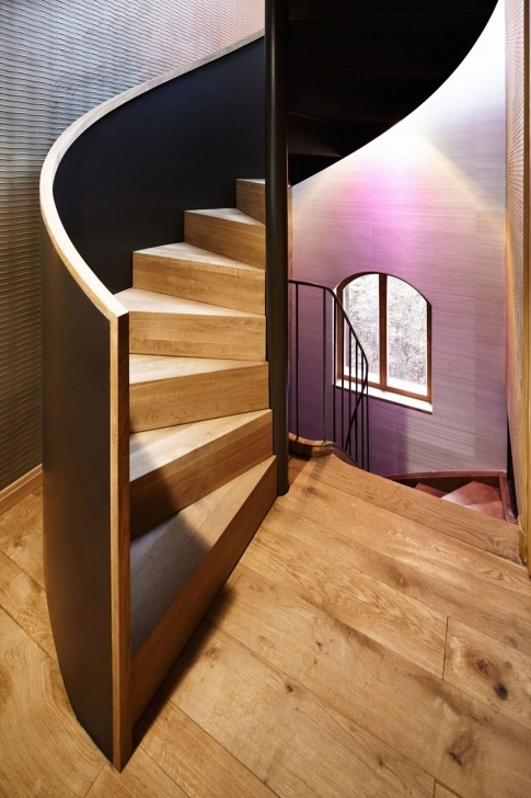Wooden Spiral Staircase With Outstanding Black Handrail And Solid Wood Decoration Photos169