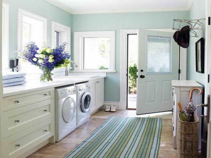 Under Window Storage Laundry Room With Washing Machine And Shelf 961
