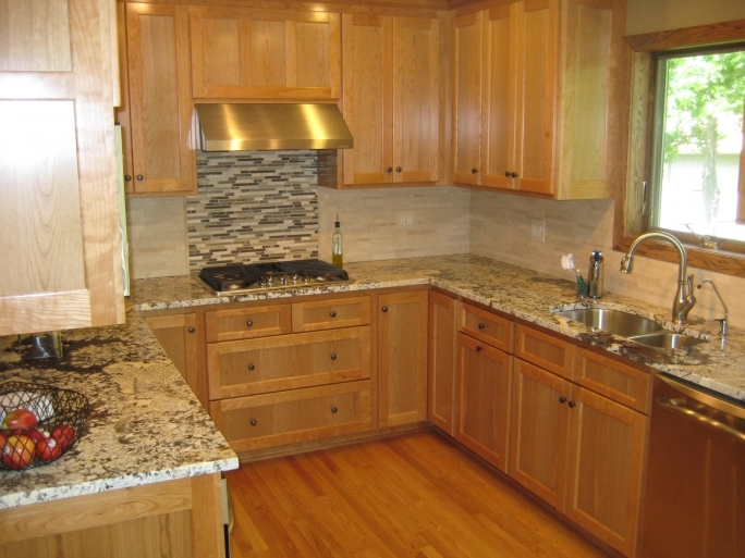 Classy ST Cecilia Light Granite Kitchen Kitchen Santa Cecilia Granite Giallo Ornamental Giallo Photo