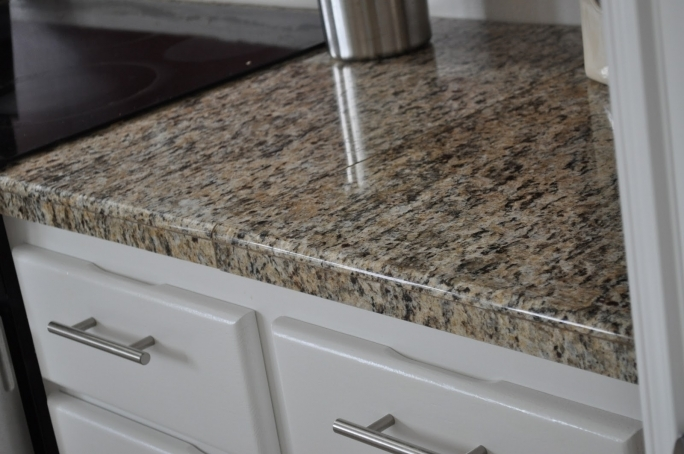 Extraordinary Santa Cecilia Light Granite Kitchen Interior Design Pics