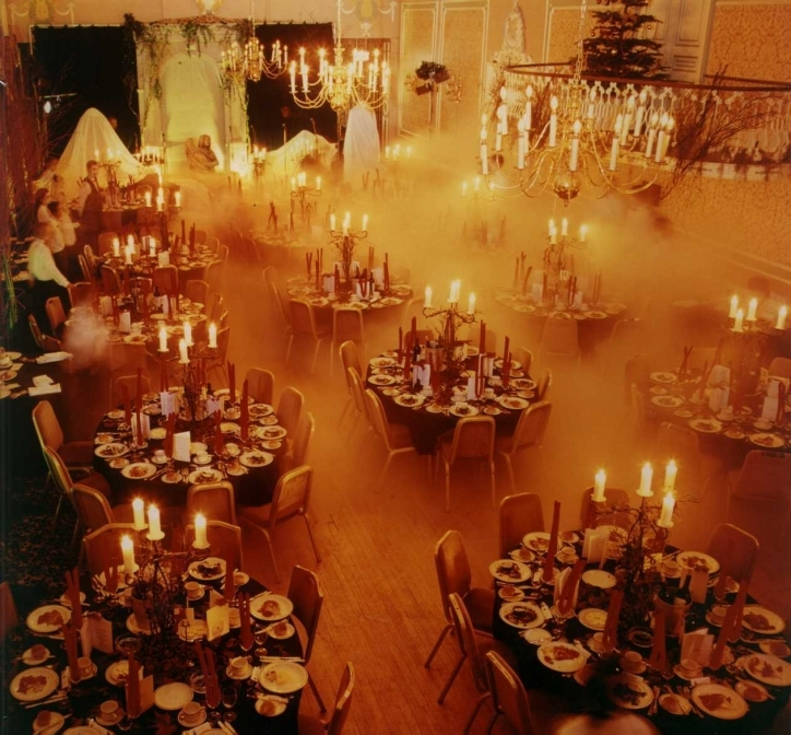 Gorgeous Halloween Decoration Ideas For Party For Adults Images