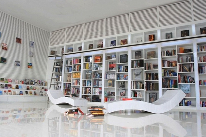 Bookshelf Decorating Ideas Contemporary Design With Unique Modern Sofa Interior Design Style Image