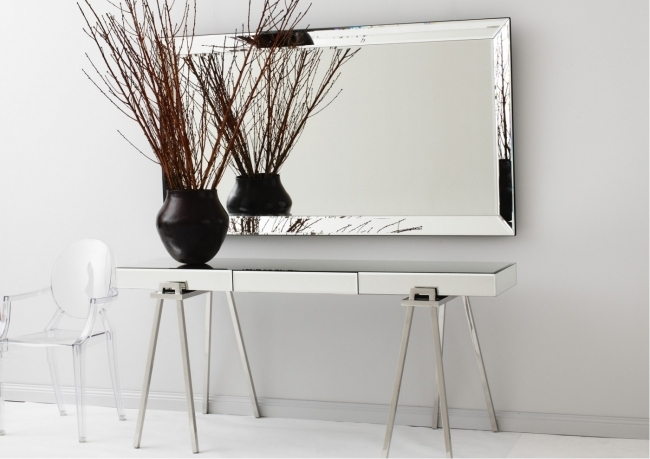 Mirrored Hallway Furniture Mirrored Console Table Pic