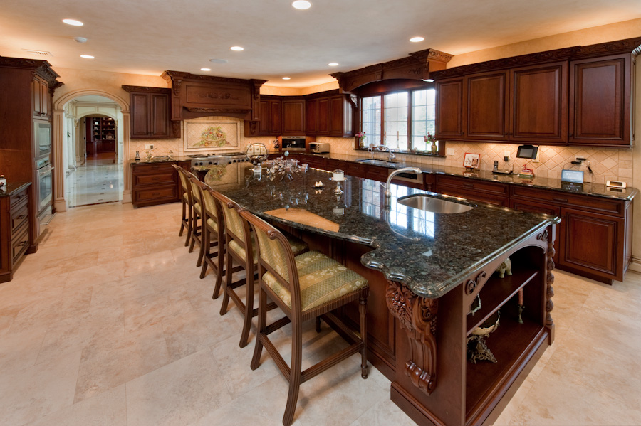 Luxury Custom Kitchen Design With Fresh Ornament