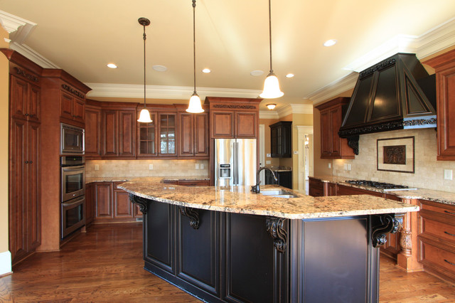 Traditional Custom Luxury Kitchen Designs