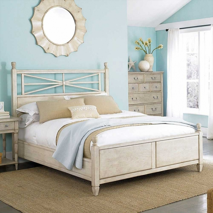 Brilliant Beach Themed Bedroom Decor With Regard To Beach Decor Bedroom Theme  Pictures