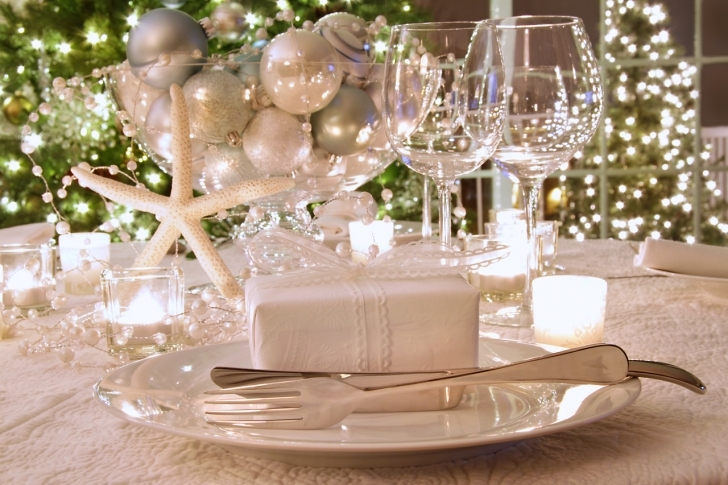 Dining Room Table Centerpieces With Regard To Outstanding Trendy Christmas Dining Room Table Photo