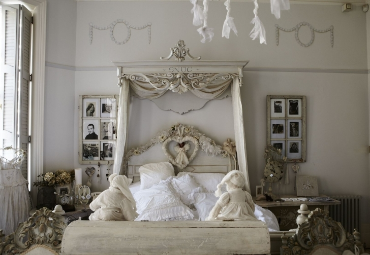 Extraordinary Shabby Chic Bedroom Ideas Within Shabby Chic Antique Bedroom Pic