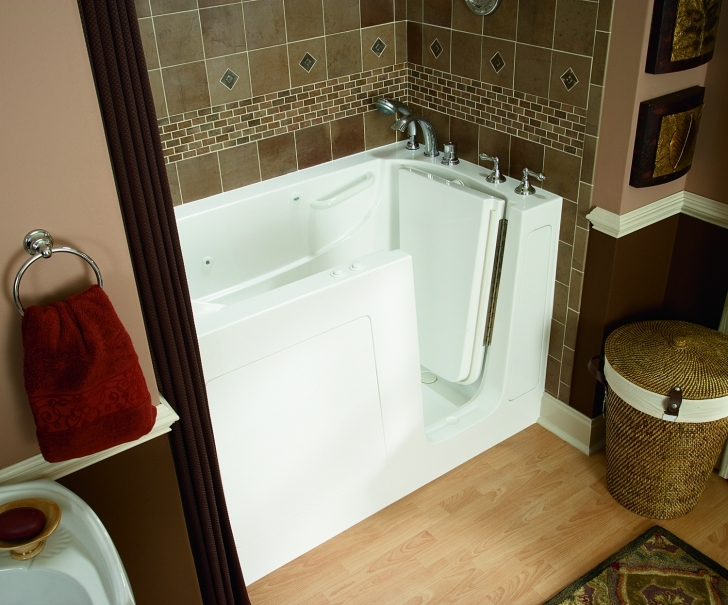 Walk In Tubs And Showers Throughout Walk In Tub Cedar Rapids Pic