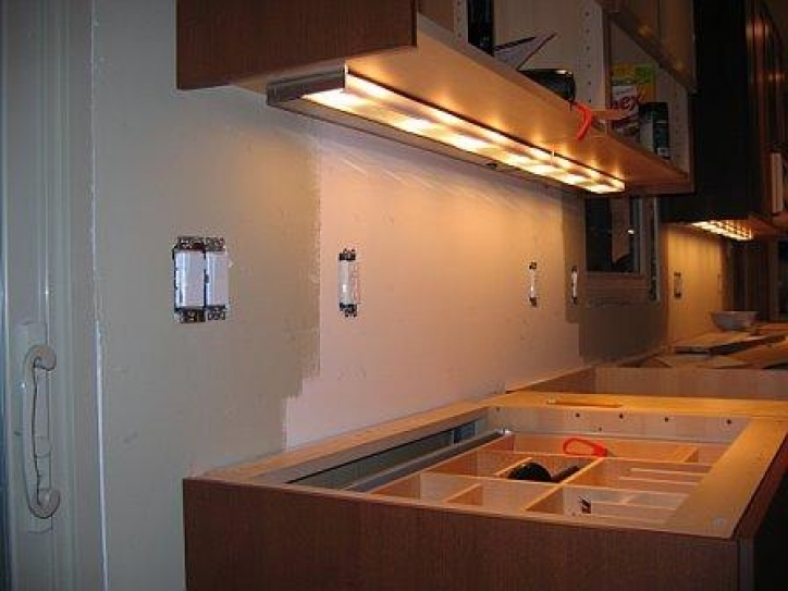 Under Cabinet Lighting Ideas With Amazing Decoration Fine Looking Hardwire Under Cabinet Pic 825