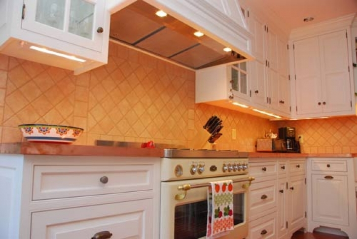 Under Cabinet Lighting Ideas Within Outstanding Xenon Thin Undercabinet Lights Pics 115
