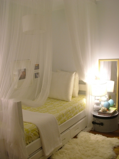 How To Decorate Small Bedroom Design Wall And Cool Lighting Pictures